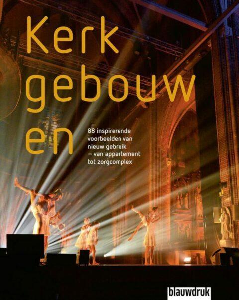 Cover boek kerkgebouwen 600x753
